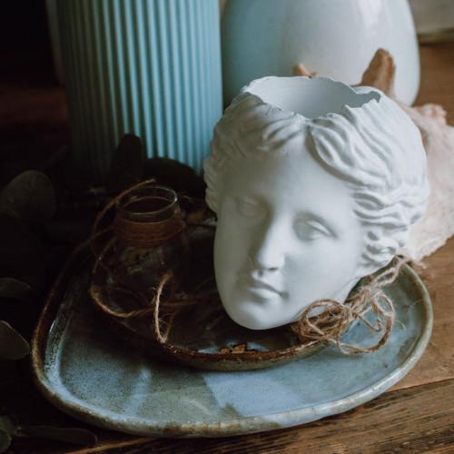 Кашпо голова Венеры, белая